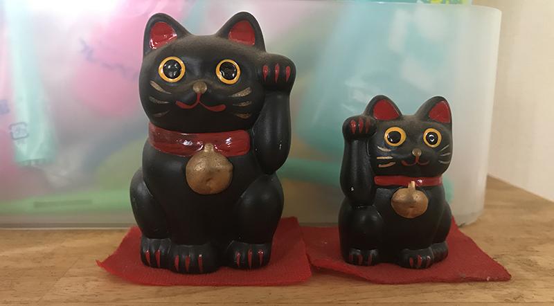 笠森観音の黒い招き猫